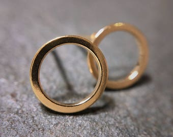 Gold or silver geometric circle stud earrings