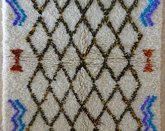 "145X100 cm 4'9"" x 3'3""   FREE SHIPPING WORLDWIDE AZ31903 Ourika ,Beni Ourain vintage berber rug Morocco,wool carpet ,boucherouite"
