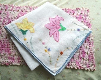 Sweet Applique Floral Tablecloth / Vintage Hand Embroidery / Pink Flowers / Yellow Flowers / White Cotton /Tea Party / Cottage Decor
