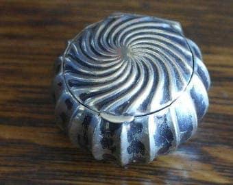 antique small silver  trinket pill snuff box