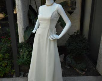 Vintage 1980's White Wedding Dress - Size 10