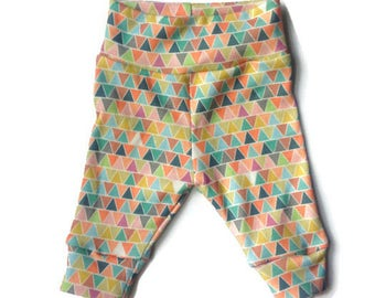 Organic baby leggings/ colorful triangles/cuff newborn leggings