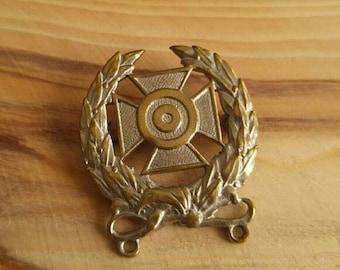 Vintage military rifle marksman medal pin