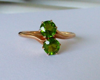 Victorian 14k Rose gold and Peridot Moi et Toi bypass ring 6.75