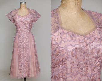 1950s Blush Pink Lace Dress Gathered Sweetheart Neckline Rockabilly Party Dress