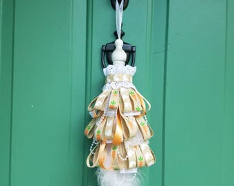 Bunny and Carrots Decor Tassel Decoration, Eyelet Lace Trim, Natural Ribbons, Organza Ribbon, Chalk Paint Finial,