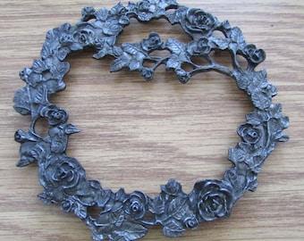 """Vintage Pewter Metzke Trivet Roses 5"""" diam Rose Wreath"""