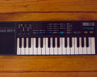80s Casio SK-1 keyboard WORKS with manual - Vintage electronic piano - Holy Grail of 1980s key boards - Voice recorder / sampler