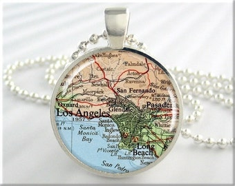 Los Angeles Map Pendant, Los Angles California Map Necklace, Resin Picture Charm, Round Silver, Travel Gift (223RS)