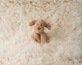 Our *LUX* 100% wool Flokati, Ivory luxury wool flokati, Newborn Photography prop Greek Flokati, 3 x 5 foot prop layer