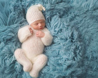 Our *LUX* 100% wool Flokati, Surf Blue luxury wool flokati, Newborn Photography prop Greek Flokati, 3 x 5 foot prop layer