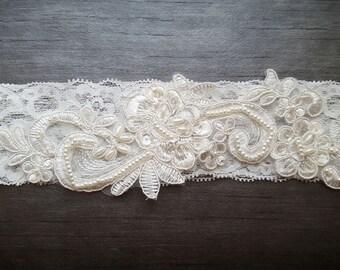 Ivory lace bridal garter - Embellished floral wedding garter