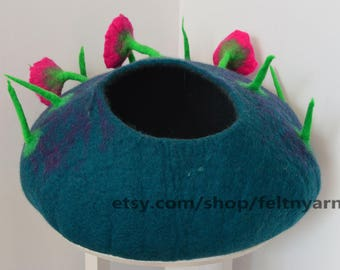 Lapish blue jungle cat bed,  flower design cat bed, cat house made in Nepal,  felt cat bed, felted cat house, pet bed, handmade cat bed