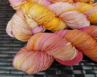 Desert Heart: 100g hand dyed merino/nylon sock yarn