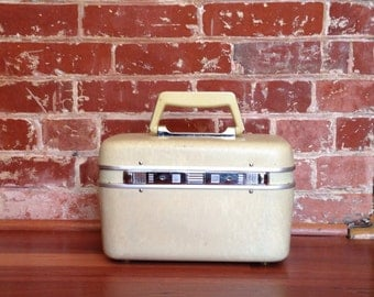 Vintage Beauty Travel Case - Makeup, Hairstylist - Cream