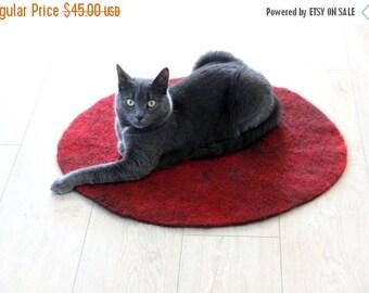 Cat pad - felt cat bed - Felted rug - cat mat - pets bed  - pet sleeping place - unique gift for pets - pets blanket