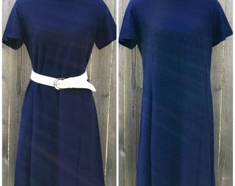 SALE > Vintage 1960s Navy Blue Shift Dress / L