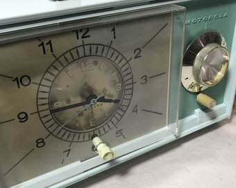 Vintage Motorola Visilite Clock Radio Model C32BK Aqua Shelf Clock