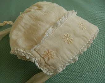 Baby Bonnet Vintage - Newborn Bonnet - 1920s Baby Bonnet - Infant Bonnet - Newborn Hat - Antique Baby Bonnet
