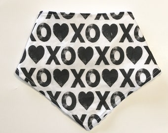 Baby Bandana Bib, Valentines Baby Bib, Pink Hearts Bandana Bib, Drool Bib, Pink Baby Bib, Baby Shower Gift, Black and White Bib