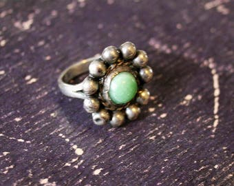 Vintage Green Turquoise and Silver Flower Ring circa 1940 Hippie Bohemian Jewelry