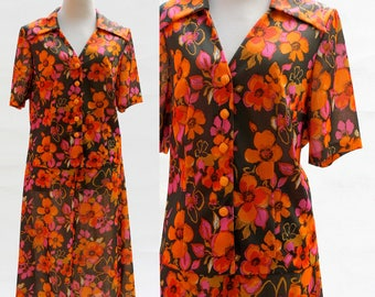 Typical 60s/70s Vintage Suit, Orange and Pink Flowered Suit, Flowers Suit, Cute & Adorable Suit, Short Sleeves Jacket, Knee-Length Skirt
