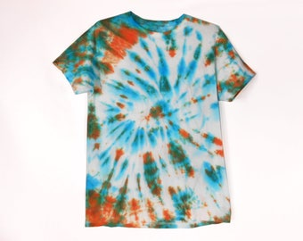 Hippie T Shirt/ Mens Streetwear/ 90s Streetwear/ Vintage Streetwear/ Trippy Shirt/ Boho T Shirt/ Hypebeast/ LSD Shirt/ Blue Tie Dye T Shirt