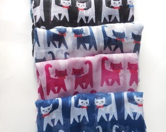 Scarf with cats.