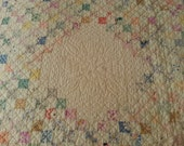 Lovely SUMMER Weight Vintage quilt