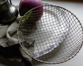Antique Rare FRENCH Bakery Very Fine Wire Ware Crimped Larger Size DEEP Basket No Rust or Baked on Old Blackened Grease