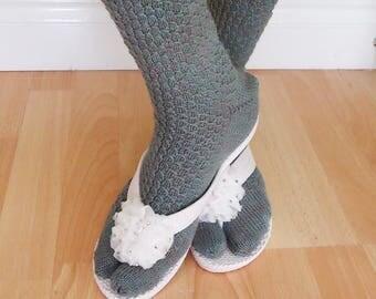 Women Split Toe Socks, Tabi Socks, Flip Flops Socks, Sandals Socks, Handknitted Socks in Grey