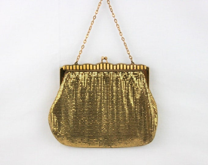 Elegant 1930s Vintage Antique Whiting and Davis Gold Metal Mesh Purse #2932