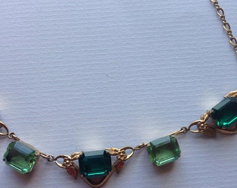 Vintage Art Deco Emerald Green and Light Green Glass Necklace / Gold Tone 1930s Costume Jewellery Necklace