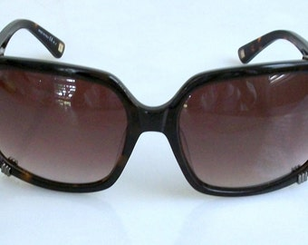 Vintage 90's Christian Dior Chicago1 Square Tortoise Frame, Brown Gradient Lens, Gun Metal Logo & details. Made in Italy, very Mint.