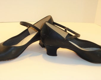 Leo's Chorus Line Shoes - Mary Poppins' Favorite Shoes - Vintage Tap Shoes - Black Tap Shoes - Dancing Shoes - Costume Wardrobe Shoes