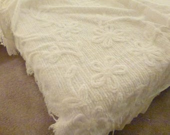 Vintage Chenille Bedspread with Fringe*KING Size  with Flowers Design White Cotton Chenille