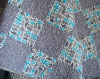 Owls patchwork cot quilt. Aqua and grey.