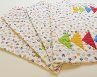 Modern-retro fabric placemats, A set of four place mats, quilted palcemats