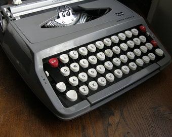 Vintage Dark Grey Smith corona Calypso manual typewriter, fully working, great condition,new ribbon fitted ,Free UK postage