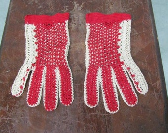 Vintage 1930s Gloves Red Crochet with Cream