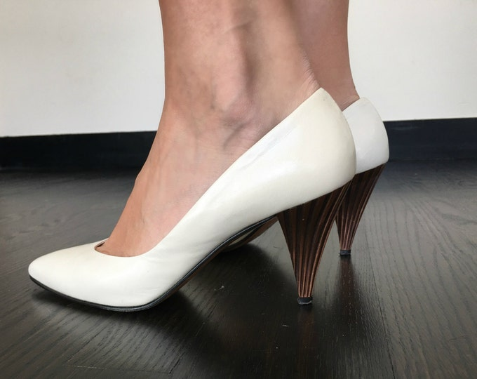 Vintage Sculpted Bronze Heel White Pumps