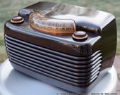 "Philco Mid Century (1949) Vintage Tube Radio ""The Hippo"" Looks swell and works well. Video link. Free Shipping"