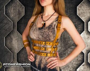Venom woman leather harness