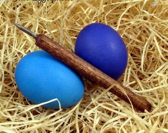 2 Pysanky Pisanki Ukrainian Polish Easter Egg Dyed Chicken Eggs and Skrobanki Drapanki Dryapanky Scratch Technique Tool