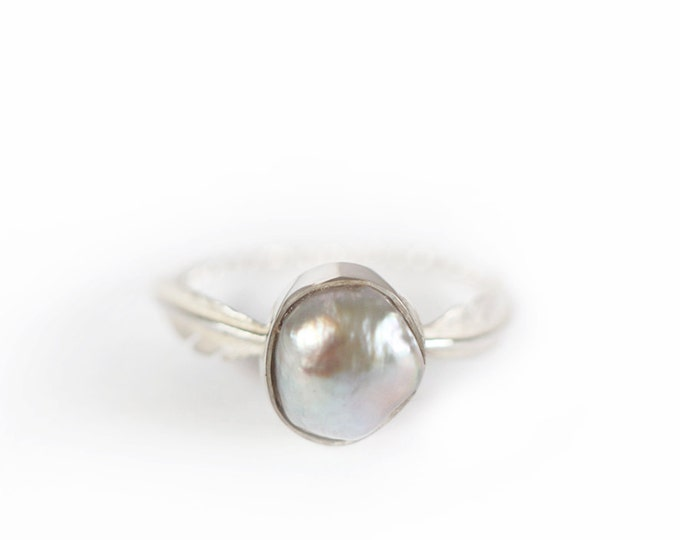 Feather pearl ring -  june birthstone - silver shade pearl - silver ring - silver 925 - rope - feather