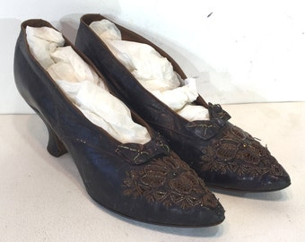 1910 amazing Edwardian shoes in eggplant leather with cutouts, bows, and beads - size 5  - 1910 shoes - Edwardian shoes - art deco shoes