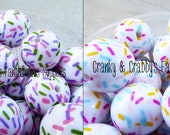 20mm Resin  Cookie Spinkles on white or Matte Pearl Beads  -  Cookie Sprinkles Jimmies - Chunky Necklaces - Set of 10 - Holiday