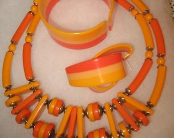 Neckless 1970's bracelet, earrings. Jewelry.