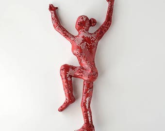 Climbing woman Figure - metal wall art - Unique gift - wire mesh sculpture - wall hanging - Metal art - red