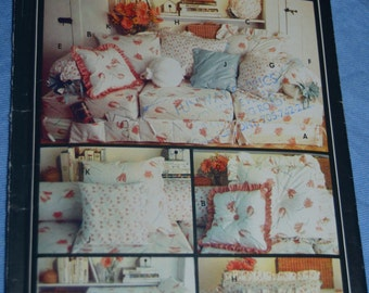 Butterick 284 / 6049   Pillows and Bed Caddy Sewing Pattern - UNCUT -